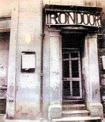 Entrada al Iron Door, Liverpool