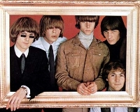 The Byrds (1965) en una legendaria foto de estudio.